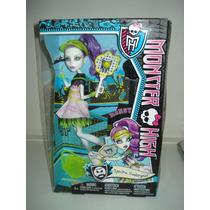 Boneca Monster High - Spectra Vondergeist - Sports