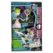 Boneca Monster High Ghoul Sports Spectra Vondergeist
