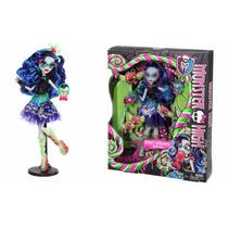Boneca Monster High Ghoulia Yelps Sweet Screams Halloween