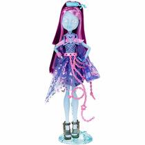 Monster High Assombrada - Kiyomi Haunterly