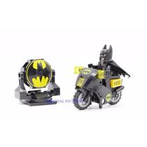 Kit Batman Moto Batsinal Padrão Lego Heróis Dc