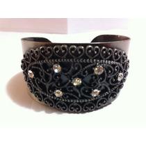 Lindo Bracelete Em Metal Com Detalhes De Brilhantes