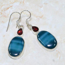 Brinco De Prata 925 C/ Granada E Ágata Botswana Azul Natural