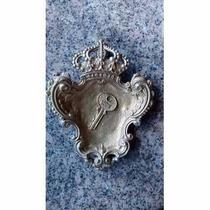 Cinzeiro Formato Coroa Em Bronze 16cm X 13 Cm