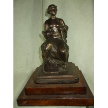 Escultura Em Peti Bronze Figura Feminina - Assinada