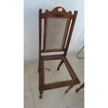 Cadeira Antiga Em Palinha