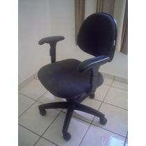 Cadeira Giratória Escritorio Com Braços E Rodas.