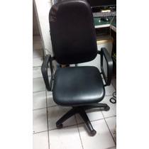 Cadeira Presidente C/ Rodinhas E Bracos