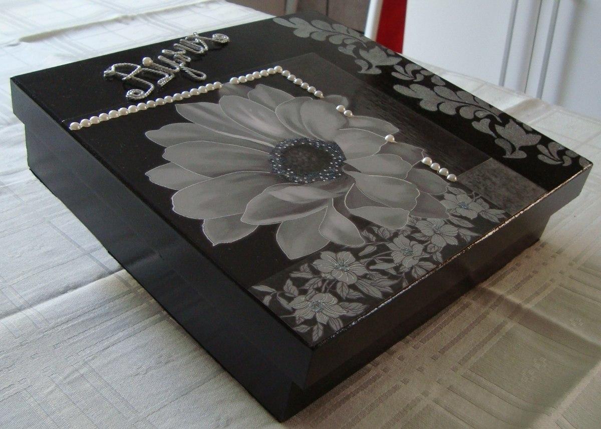 Caixa Em Mdf Flocada Com Decoupage Detalhes Em Perolas R$ 42 90 no  #5E453D 1200x857