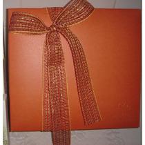 Caixa De Presente Vermelha Com Laço De Fita E P. Seda Natura