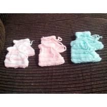 03 Sapatinhos De Bebê Feitos A Mao M Lã Antialérgica.