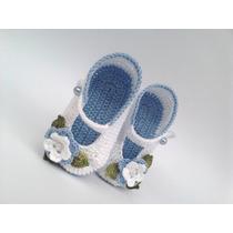 A264 Sapatinho De Croche De Menina Azul E Branco Com Perola