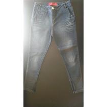 Calça Jeans Feminina Com Zíper Na Barra Da Divina Pele