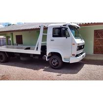 Caminhão 7.90 Plataforma