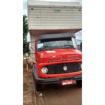 Caminhão Mercedes Bens 1113 Vermelho