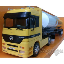 Mercedes Benz 1857 Actros Shell 1/32 New Ray Volvo Scania