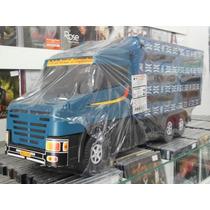 Caminhão Boiadeiro De Plástico E Madeira.