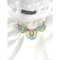 Blusa Branca Colar Pedras Super Fashion