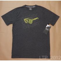 Camiseta Oakley Hydrolix - Tamanho G - Regular Fit- Original