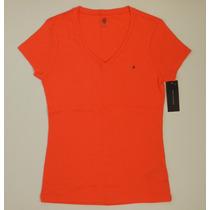Camiseta / Blusa Feminina Básica Tommy Hilfiger - Tamanho G
