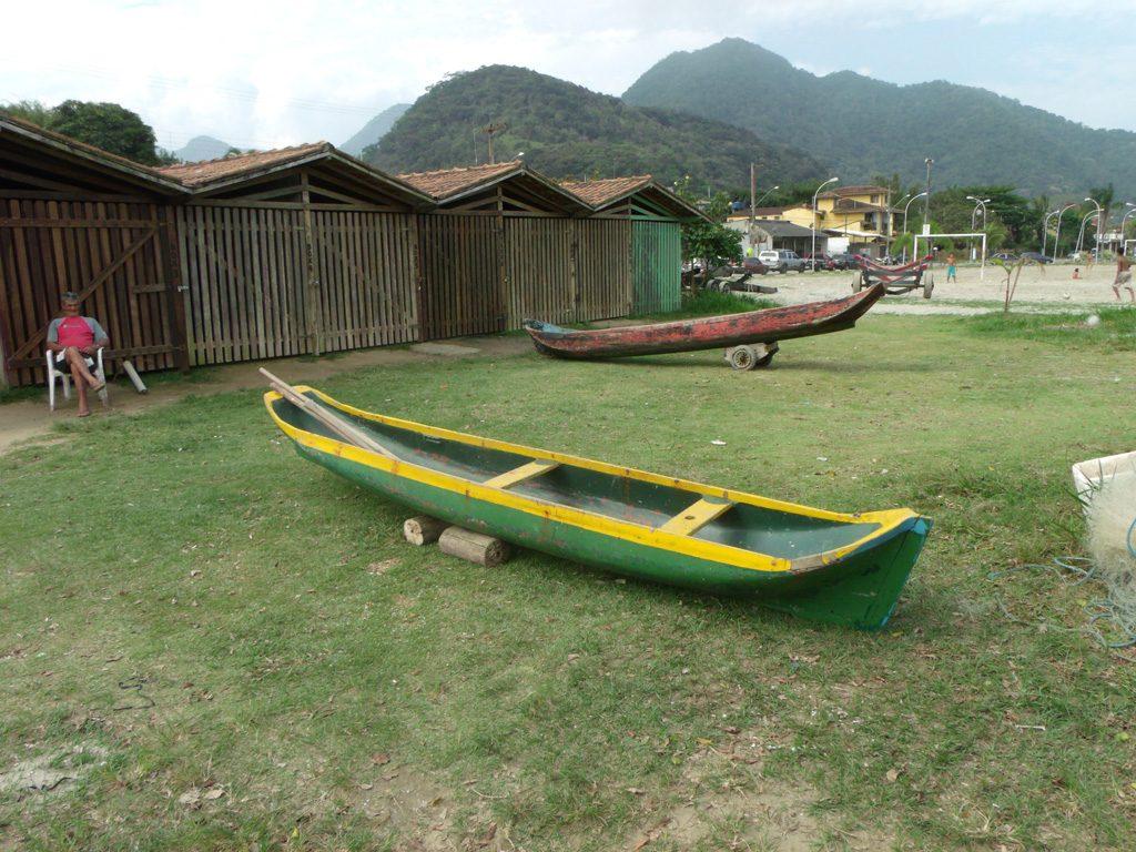 Canoa De Pesca Caiçara Em Madeira Nobre 4 5m R$ 4.500 00 no  #B29A19 1024x768