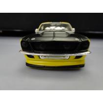 Miniatura Carrinho Ferro: Ford Mustang 1967 / Maisto