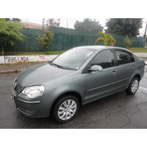 Volkswagen Polo Sedan 1.6 Mi 8v Flex 4p Manual 2011/2011