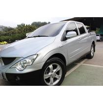Vendo Action Diesel 4x4, Econômica Com Rodas E Motor Novos
