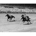 Três Jockeys Equitação Cavalos Em A Corrida Delaware Park