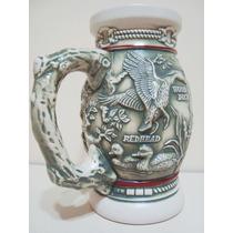 Caneco De Chopp Ceramica Ceramarte Avon Em Alto Relevo
