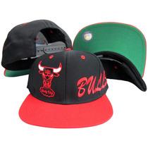 Chicago Bulls Lado Logotipo Snapback Ajustável Plástico Boné