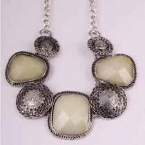 Colar Pendente De Pedras Brancas - Fashion Luxo