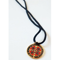 5 Un Cordão Com Medalha De Sao Bento - Colar De Sao Bento