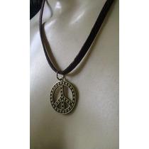 Cordão De Couro Com Simbolo Da Paz Em Bronze + Brinde