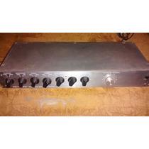 Reverberador Eletrônic Delta 9601 Câmera De Eco R$ 480,00