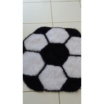 Tapete Artesanal De Croche Modelo Bola De Futebol Peludo
