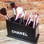 Porta Pincel Chanel