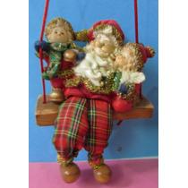 Papai Noel Com Crianças No Balanço Em Resina Italiana - A84