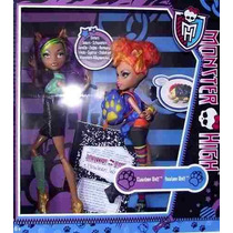 Monster High Bonecas - Howleen E Clawdeen Wolf