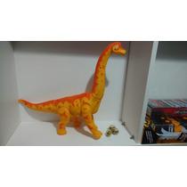 Dinossauro Que Poe Ovo