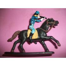 Boneco Soldadinho Com O Cavalo Da Gulliver