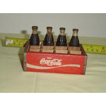 Miniaturas Coca Cola Caixa Madeira Com 4 Garrafinhas Coca