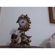 Relógio De Mesa Estilo Cuco Movido A Pilha Funciona.