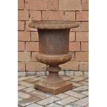 Vaso Inglês Antigo Em Ferro Fundido Para Decoração De Jardim