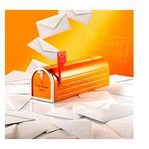 Veuve Cliquot Mailbox + Duas Taça Personalizadas Veuve