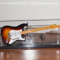 Miniatura Nacional Guitarra Strato Sunburst : Escala 1:4
