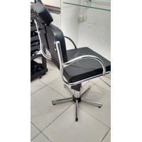 Cadeira Pneumática Cabeleireiro / Maquiagem
