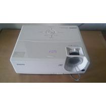 Projetor Sanyo Pdg-dsu20n Com Pontos Brancos Na Imagem