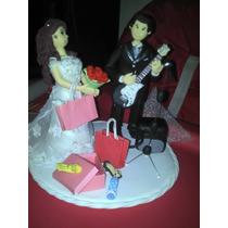 Topo De Bolo Casamento Biscuit - Noivo Tocando Guitarra