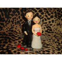Topo De Bolo Para Casamento E Noivado Em Biscuit